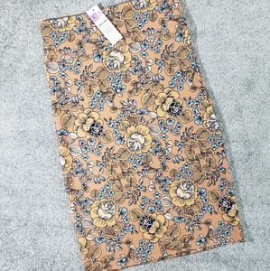 Gorgeous Med Pencil Skirt by A&D